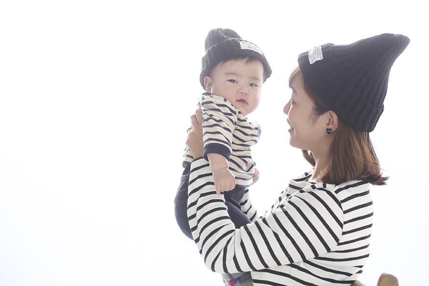 ママと赤ちゃんのスキンシップ