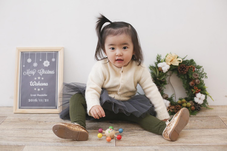 赤ちゃんの手形足型を残す
